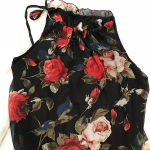 Tops - Sleeveless, tie string top blouse. Floral.